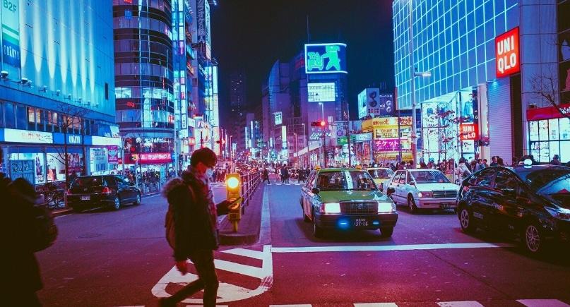 Japonia ruchliwa ulica w kontekście KNOxOUT farb antysmogowych